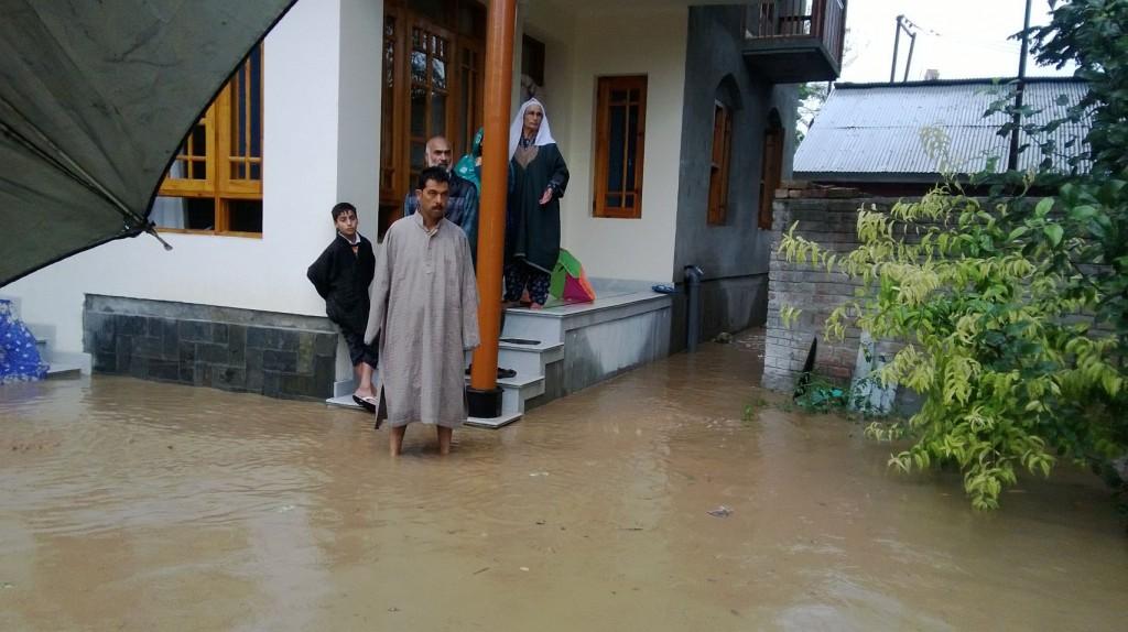 flood pic of neighbor Kashmir