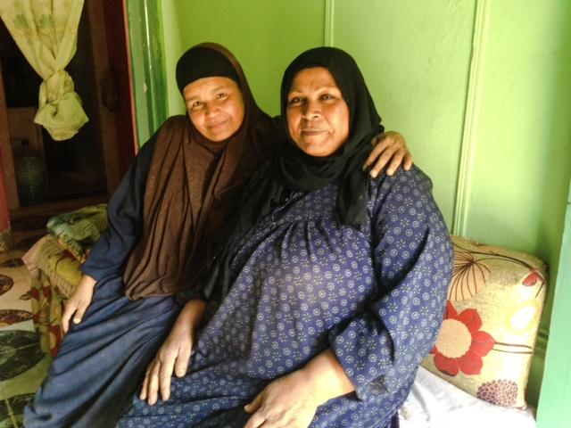 Two_woman_inside_Friendand_Fatma