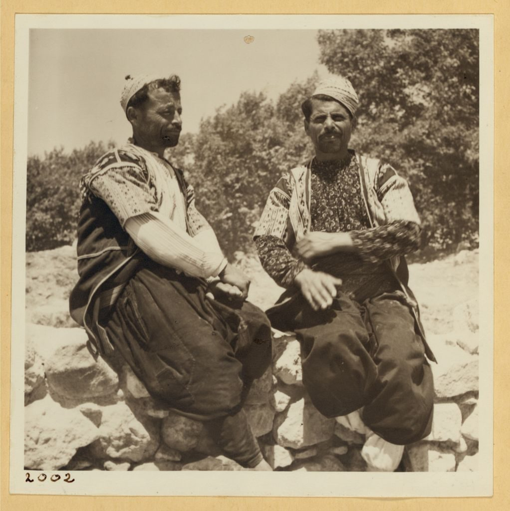 Alawite men in Antioch in 1938. >Library of Congress, Prints & Photographs Division, [LC-DIG-ppmsca-17416-00061]