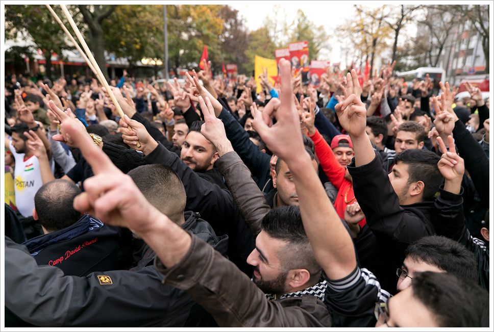 Anti-ISIS protesters in Berlin. >Montecruz Foto/Flickr