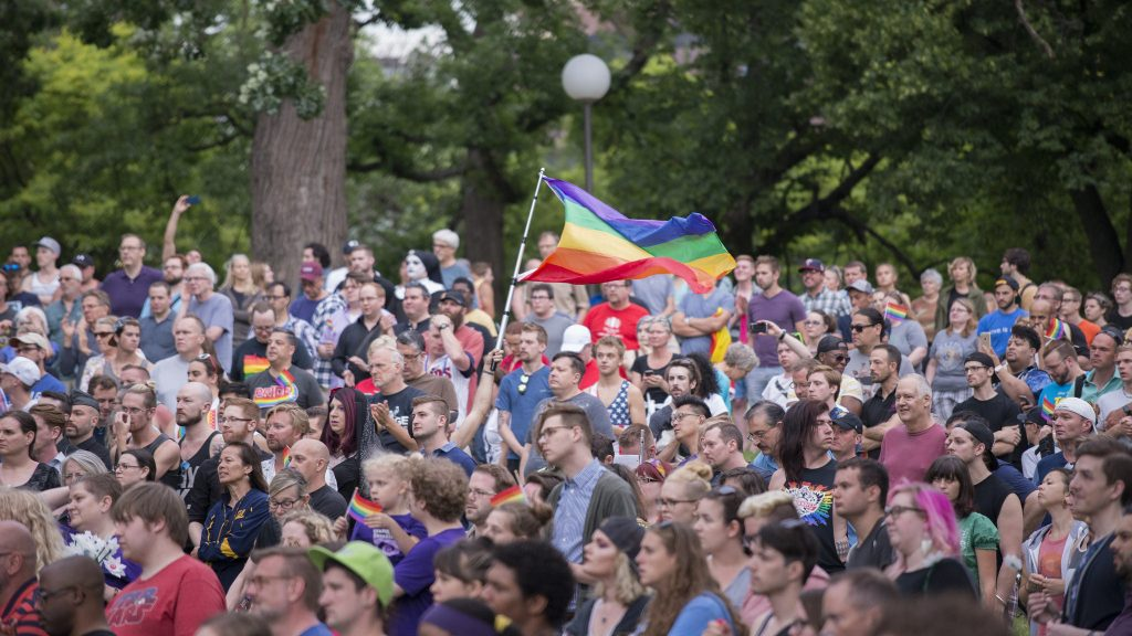 Vigil in Minnesota for Orlando victims. >Flickr/Fibonacci Blue
